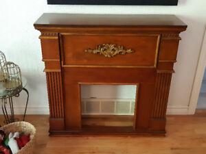 Beautiful solid wood fireplace mantel MUST GO
