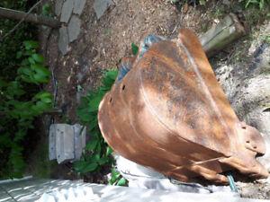 Bucket ( godet de pelle à 3 dents)