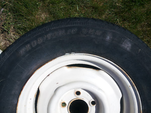 FOR SALE - DUNLOP TRAILER TIRE -205/70/R15