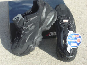 BRAND NEW BROOK RONIN STEEL TOE SAFETY CERIFIED SHOES SIZE 9!
