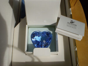 Swarovski Crystal Figurines - 1997 &1998 SCS Blue and Red Hearts Kitchener / Waterloo Kitchener Area image 5