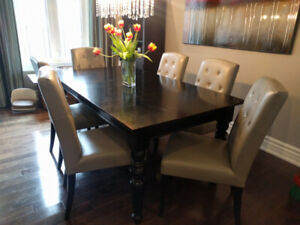 Pottery barn table with 6 leather chairs