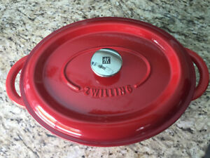Zwilling J.A. Henckels Cast Iron Oval Dutch Oven (Red)