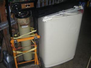 Lindsay Series 1120   Water Softener for Parts or Repair