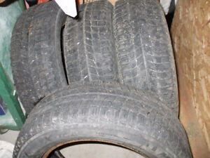 REDUCED    Michelin Xi3 snow tires 205-60-16
