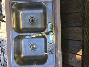 Lot de toilette+évier salle de bain +évier de cuisine