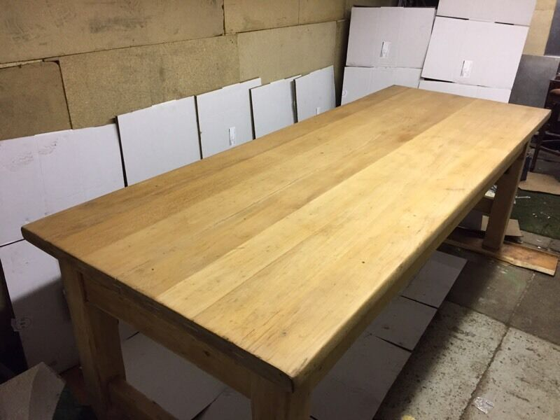 Solid oak table 8ft x 3ft