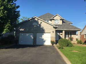 BEAMSVILLE - Nice, large, all-inclusive1 bedroom walkout apt