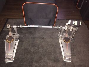 Double pedal Pearl demon drive
