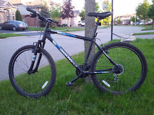 "Diamondback Adult Sorrento Mountain Bike 18"" Frame"