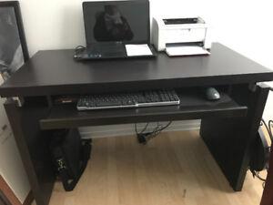 Bureau de travail et chaise ajustable