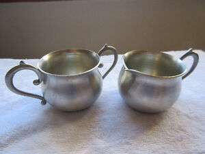 Seagull Pewter Creamer and Sugar Bowl