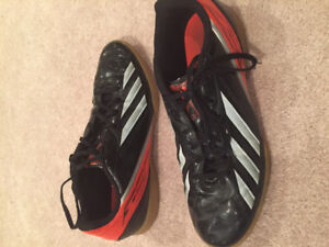 Indoor soccer soccer shoes and outdoor cleats