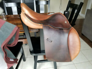 Used Crosby XL Excel Close Contact Saddle