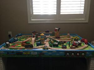 Thomas - Train, Table, Tracks
