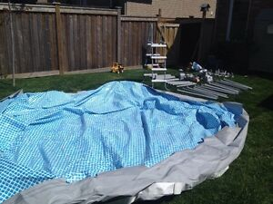 16 x 4' Intex Ultra Frame pool