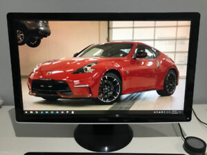 """DELL 24"""" Monitor 1920x1080 Full HD EXCELLENT CONDITION 9/10"""