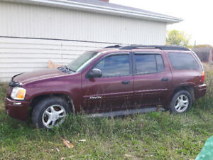 2004 GMC Envoy XL SUV, Crossover