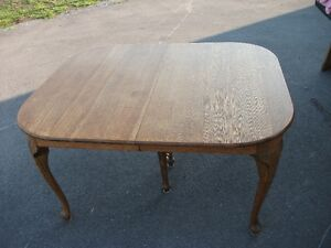 Antique Oak Extension Table Belleville Belleville Area image 1