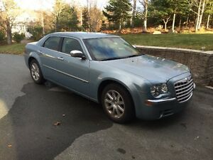 Low Milage 2009 Chrysler 300-Series C Sedan