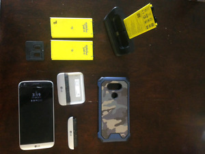 LG G5 locked with Rogers with lots of accessories!!