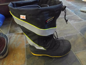 Baffin insolated safety boots steel toe