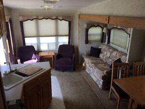 2003 Chateau 28.5' 5th Wheel with Slide