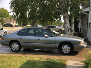 1994 Pontiac Bonneville Sedan