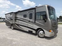 2014 Winnebago Sunstar 35B - 3 Slideouts, Fully Loaded