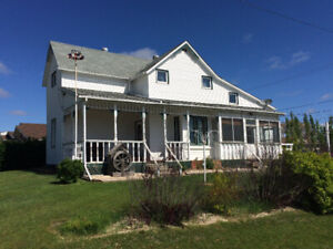 2 STOREY HOUSE IN GRANDVIEW, MANITOBA