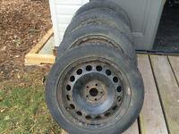 VW Winter tires with Original VW rims 205/55 R16 M+S For Sale !