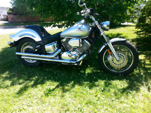 2002 Yamaha VStar 1100 for sale. 3500