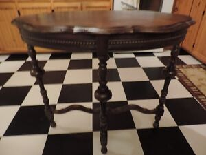 For Sale - 1930's oval top table *Price Reduced*