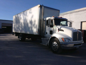 2016 Kenworth 370 with 5000lbs gate