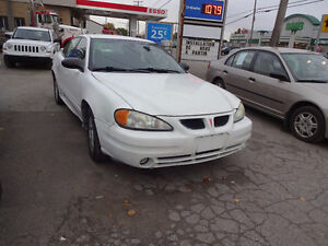 2003 Pontiac Grand Am 269000 km va tres bien sur route Berline