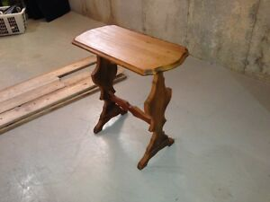 Cute little side table London Ontario image 2