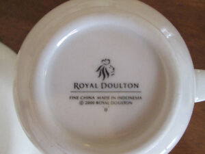 ROYAL DOULTON  Fine China Cups and Saucers Set of four. Kingston Kingston Area image 3
