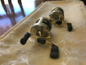 SHIMANO CALCUTTA 250 lw MINT $300.00 FOR THE PAIR