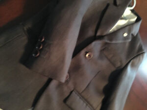 LIKE NEW!COMPLETE BOYS 4/5 GREY SUIT