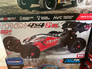 TYPHON 4X4 3s BLX RC CAR