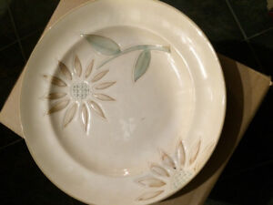 3 round stoneware sunflower dishes plates