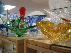 Art Glass -- FROM PAST TIMES Antiques & Coll - 1178 Albert St