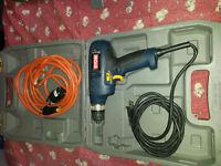 Coffre d'outils + plusieurs outils électrique à vendre