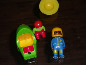 Playmobile vehicle and men