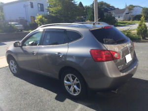 2010 Nissan Rogue SL AWD *** ONLY 54,000 KM***
