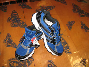 AVIA running shoes size 11