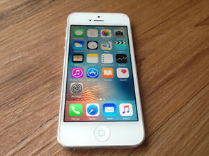 Apple iPhone 5 Factory Unlocked 64GB in Excellent Condition