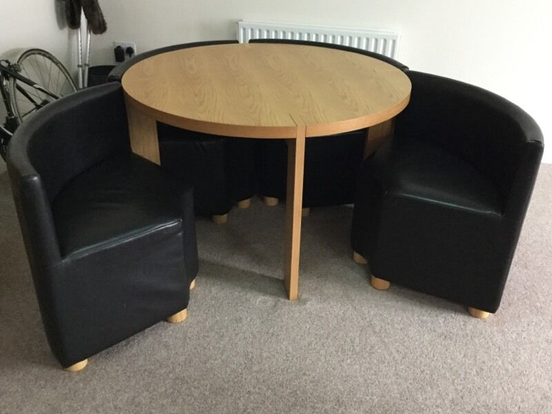 Round dining table with four chairs space saving like ikea for Table de fusion ikea