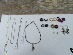 12 JEWELLERY ITEMS = 7 PAIR OF EARRINGS & 5 NECKLACES