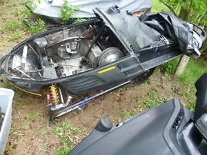 parting out a 1998 skidoo mach z Kingston Kingston Area image 1